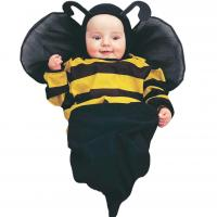 cute baby with bee custome.jpg