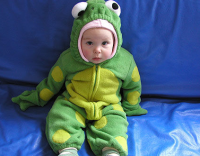 Frog halloween costume for infant.PNG