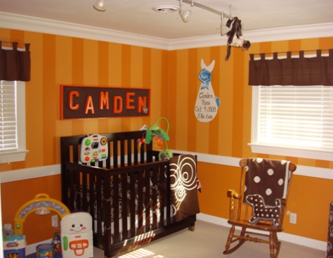 Brown and orange nursery pictures.PNG