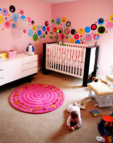 Modern coloful nursery for baby girl with bright colors.PNG