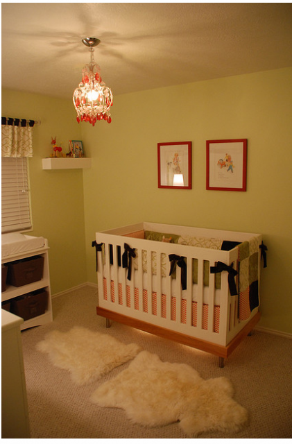 Baby girl nursery pictures with a modern style.PNG