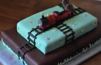 James train birthday cake running on the train track_2015 kids birthday cake pictures.PNG