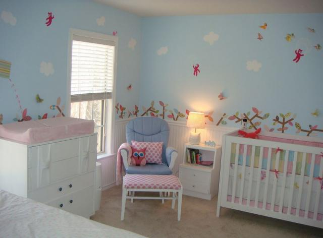 Pretty girl nursery photos.JPG