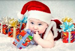 Creative baby Christmas photo shoot pictures.JPG