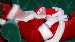 Cute Santa baby pictures of Santa and baby in deep sleep.JPG