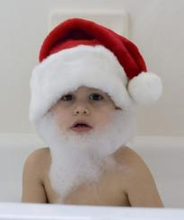 Adorable little kids Christmas pictures in bath tube.JPG