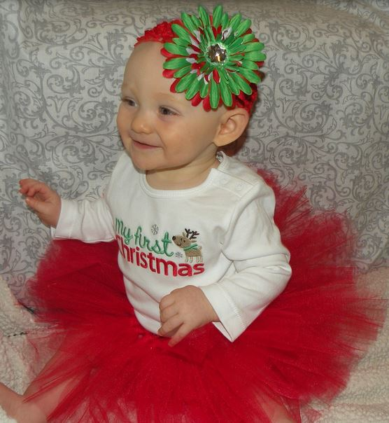 Baby girl Christmas outfit with red tutu.JPG