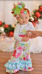 Baby girl homemade Christmas outfit set with large bow headband.JPG