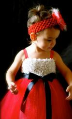 Beautiful girl Christmas dresses photos.JPG
