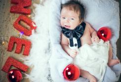 Super cute baby Christmas picture ideas.JPG