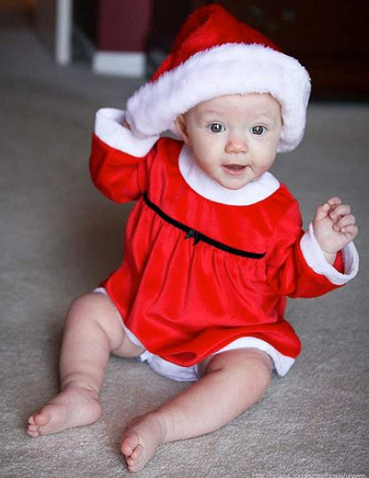 Baby Christmas pictures.JPG
